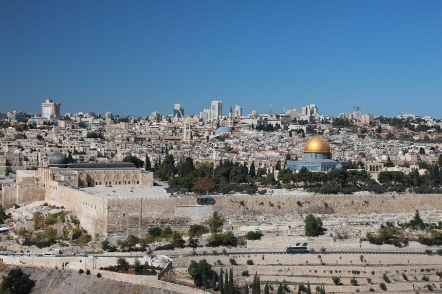 פרשת חוקת / מאת: הרב דוד אגמון